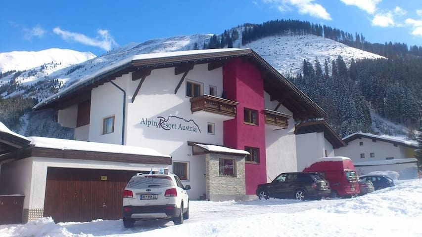"Alpin Resort Austria ""Come in and Relax "" - Bichlbach - Aamiaismajoitus"
