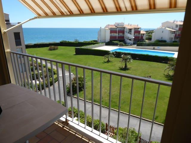 200m de la plage, vue mer, balcon, piscine. Cap d'Agde