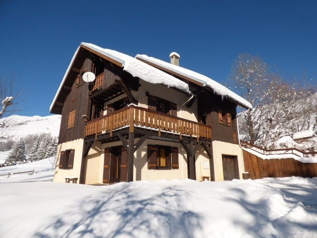 Apartment of 110 m² in chalet - Near the slopes -