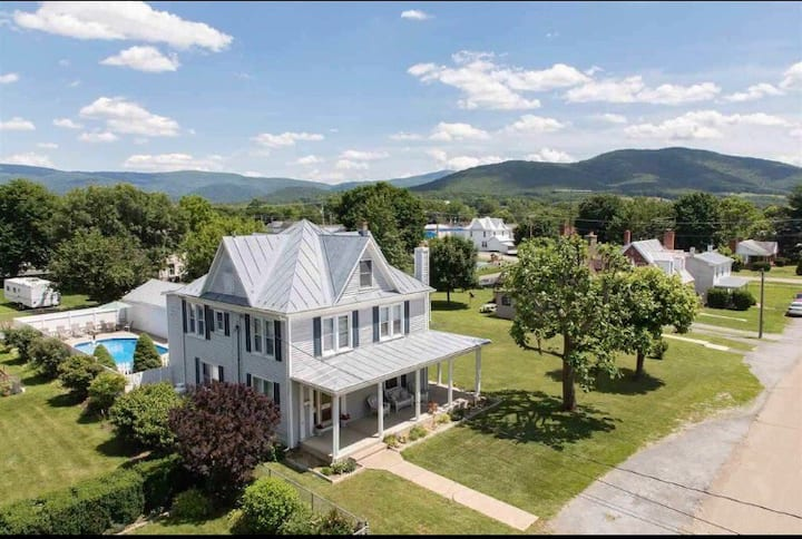 Historic Home With Pool In The Shenandoah Valley