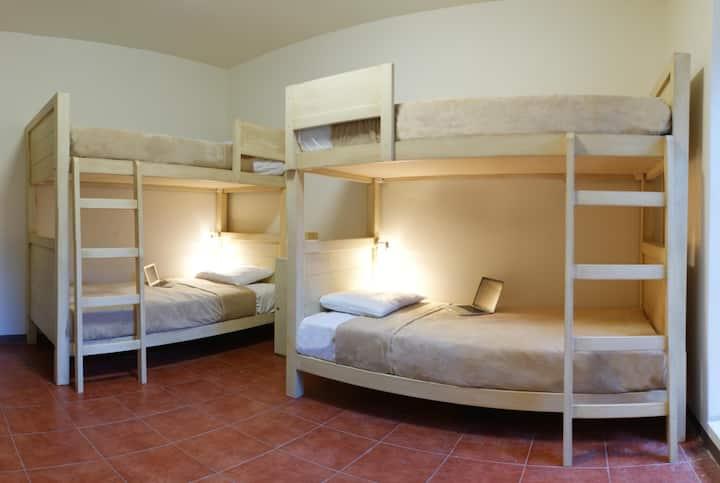 HOSTAL DE LAS AMERICAS cama 6