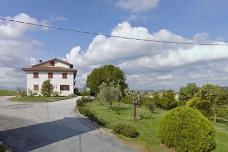 Casa in campagna tra mare e monti - Ostra Vetere
