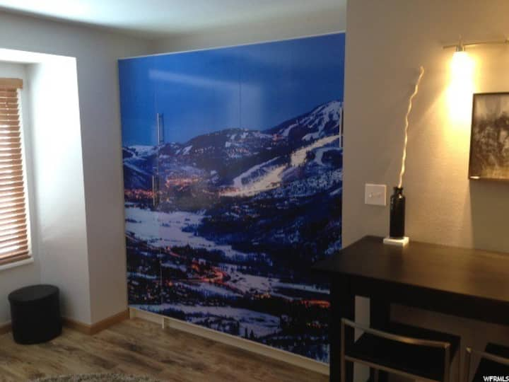 Modern Studio Condo Perfect for your Ski Getaway