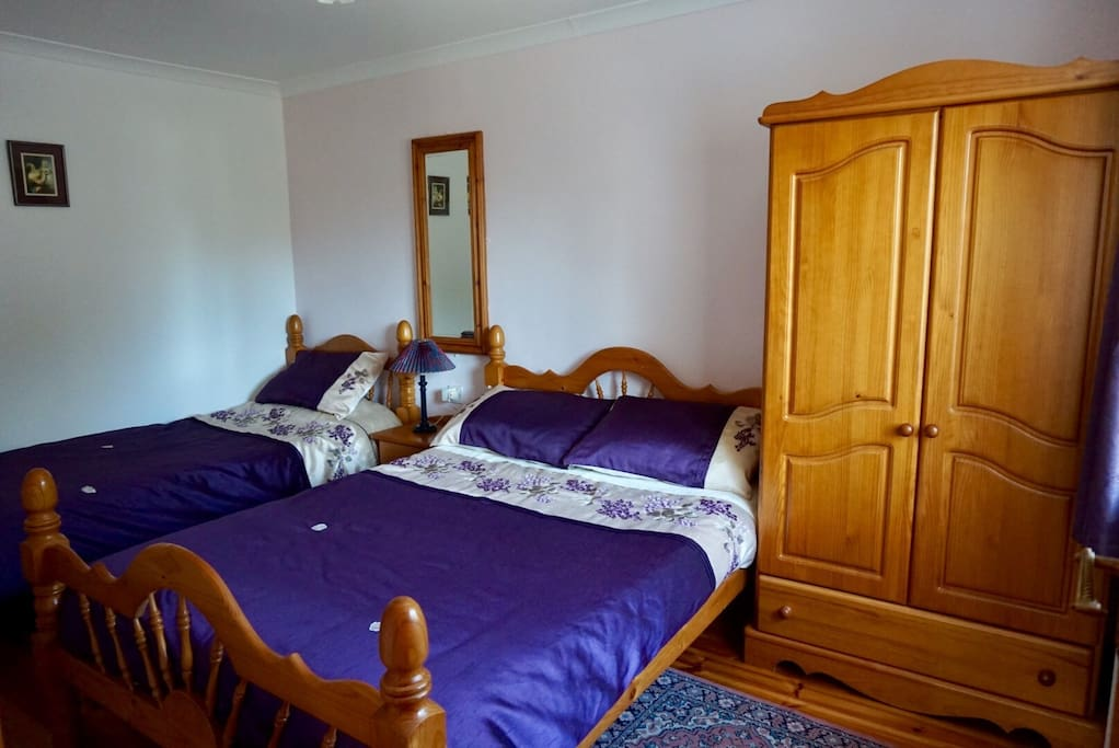 You can relax from the moment you arrive. The cottage is fully furnished and beds made.