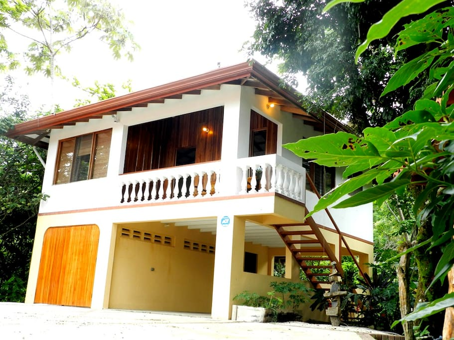 Guest house with parking