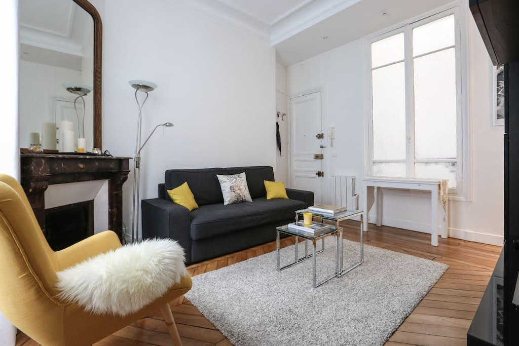 cosy 2p renov centre paris pompidou marais appartements louer paris le de france france. Black Bedroom Furniture Sets. Home Design Ideas