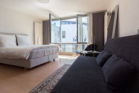 Bright studio in historical center! - Weimar - Apartemen