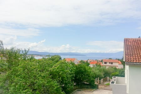 Sea view apartment in Malinska (Island of Krk) - Malinska - Lejlighed