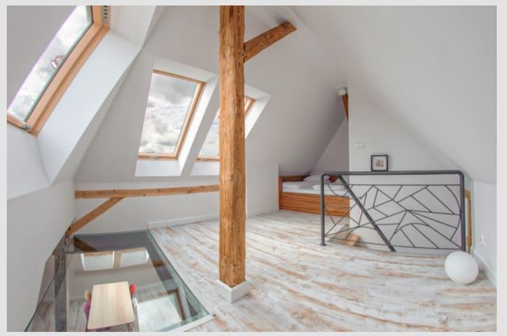bedroom2 on the upper floor with sea view and glassfloor!