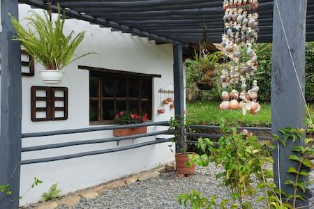 Habitación triple Hospedaje La Tierrita
