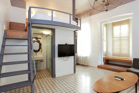 cozy loft room at beyoglu II - アパート