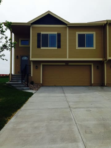 Beautiful Townhome for rent - Omaha - Radhus