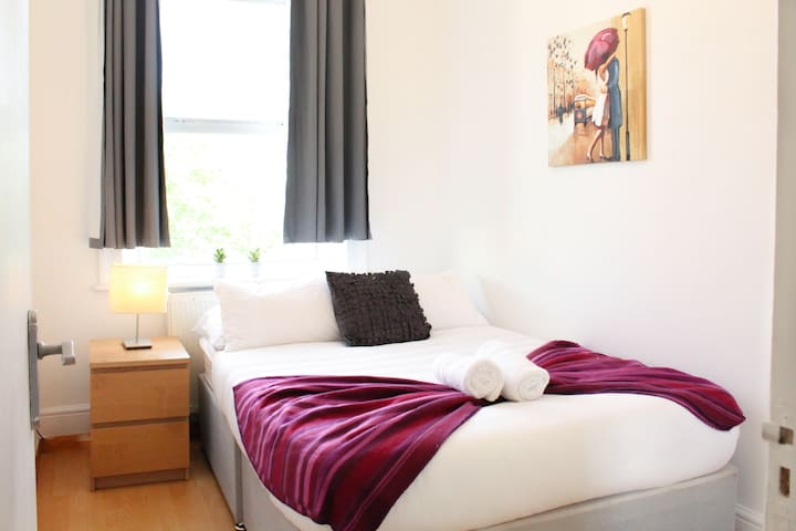 CLAPHAM 3 · 2 bedrooms Flat By Clapham Common Tube (3)