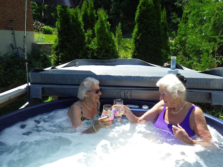 REJUVINATE AT THE SPA ON THE ROCKS