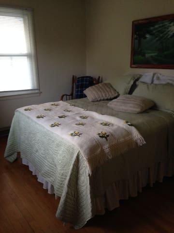 Casual and inviting! Clean and homey! - Columbus - Casa