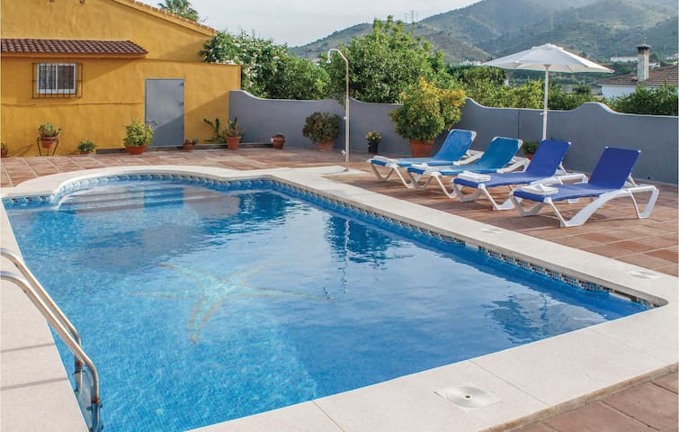 Holiday cottage with 2 bedrooms on 59 m² in Álora-El Chorro