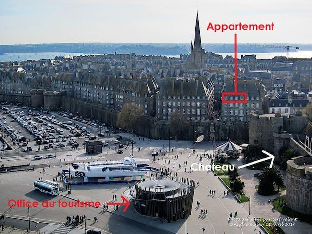 Appartement Intra Muros vue mer + place de parking