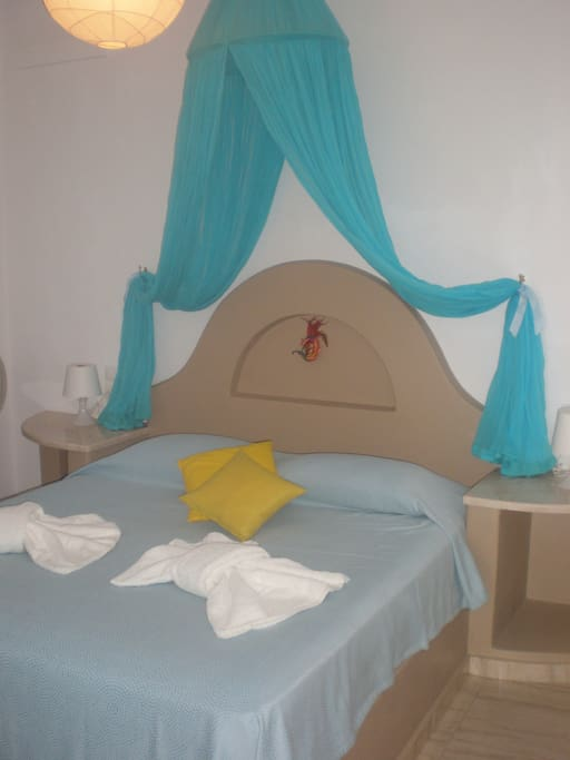 Bedroom with double bed..