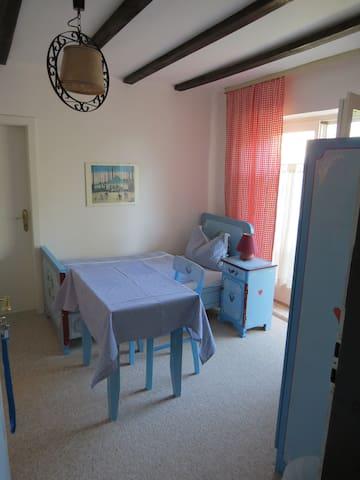 Gästehaus Huber - 1er Zimmer Single - Feichten - Apartamento