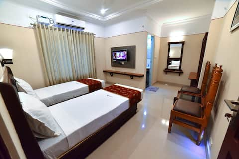 Vashanth Krishna Double Bed Room