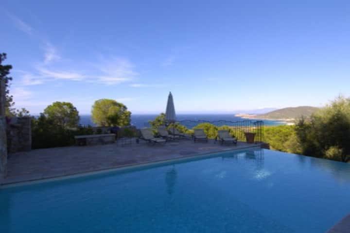 Villa  (4 pers)  piscine, vue mer, 7mn de la plage