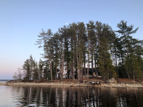 Valhalla: Island Cabin on South Twin Lake