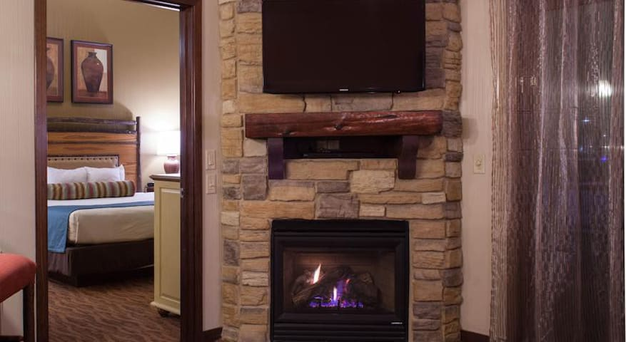 2 BR Deluxe Condo @ Glacier Canyon - Wisconsin Dells - Appartement