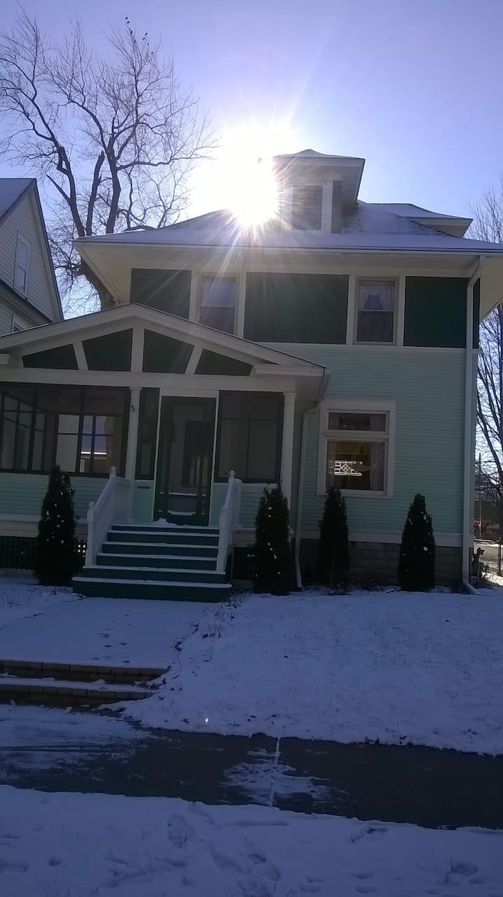 1912 Home with all the Charm