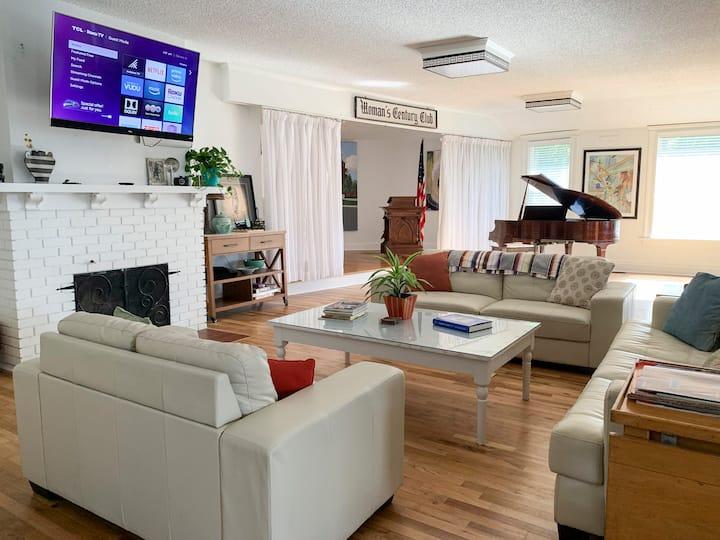 NEW listing--Arty, Spacious 1903 Home/Main Floor