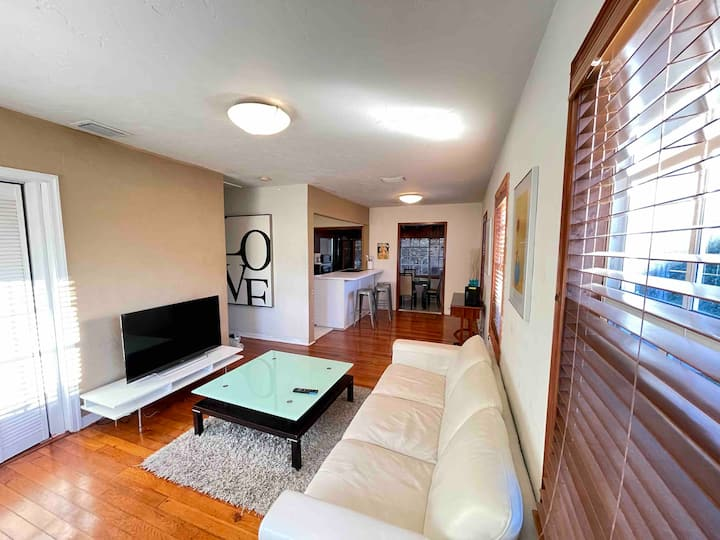 Entire house 3/1 Miami Springs, charming and cozy