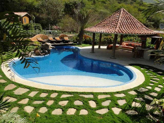Vacation house near Playa Parguito - La Asuncion - บ้าน