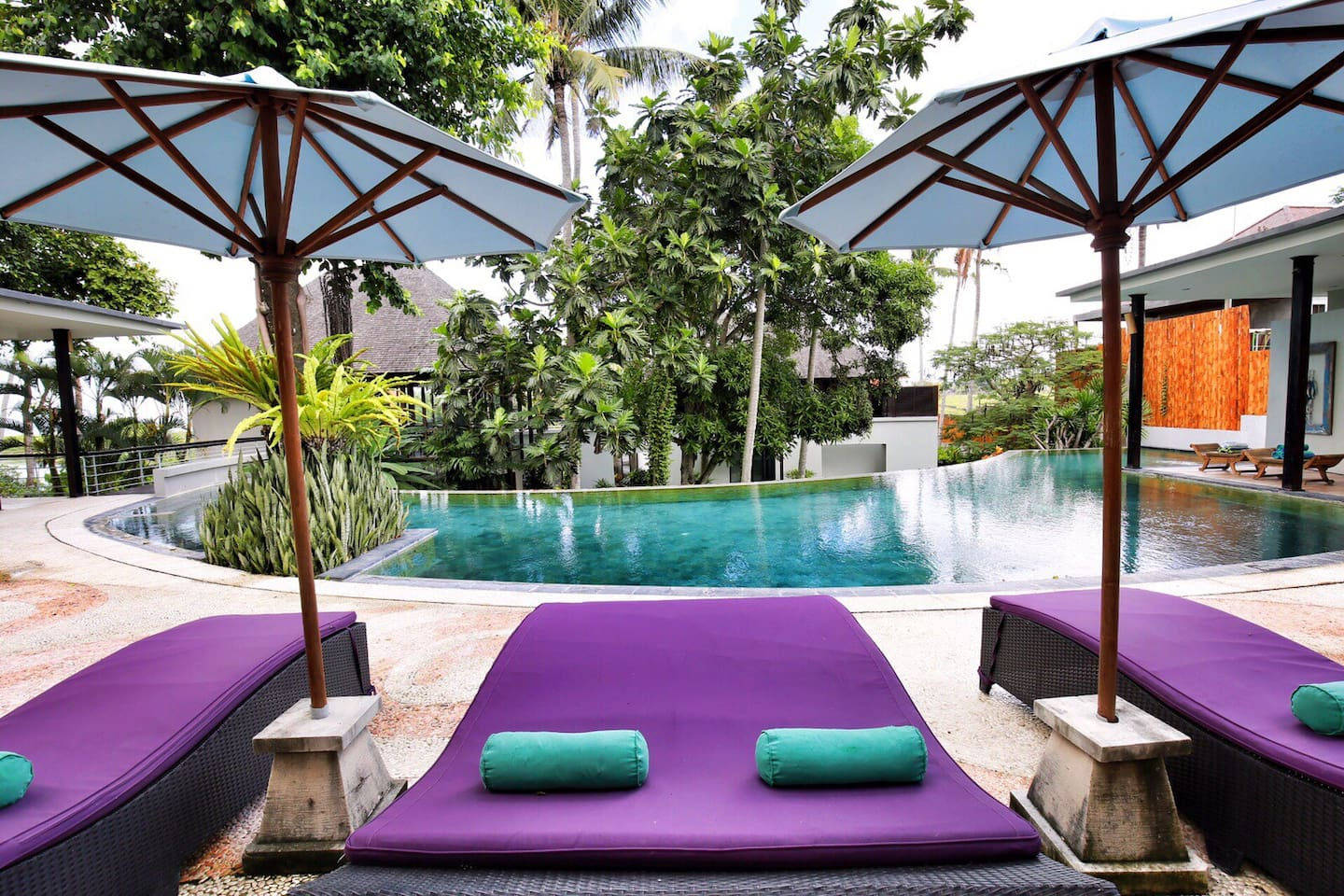 Lounging area/ Sun Bathing area with infinity pool view