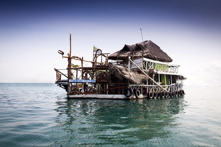 Comfy room in floating house - Zanzibar Town