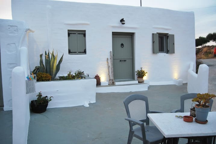 Traditional Stone House Studio I - Syros - Дом