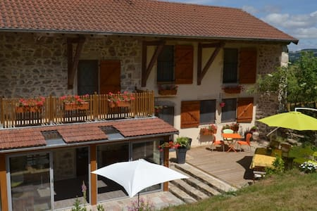 LA MAISON CLAIRE - Table - Chambres - Matour - Bed & Breakfast