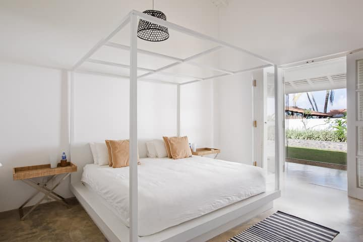 Arabella on Boossa king room with Garden View