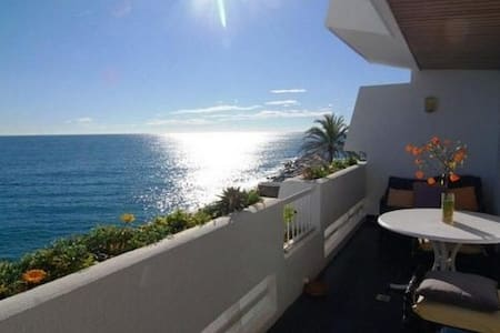 Beach front apartment Sant Pol 4BD - Sant Pol de Mar