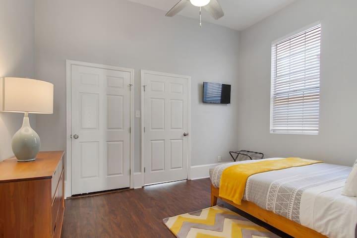 3rd bedroom with dresser