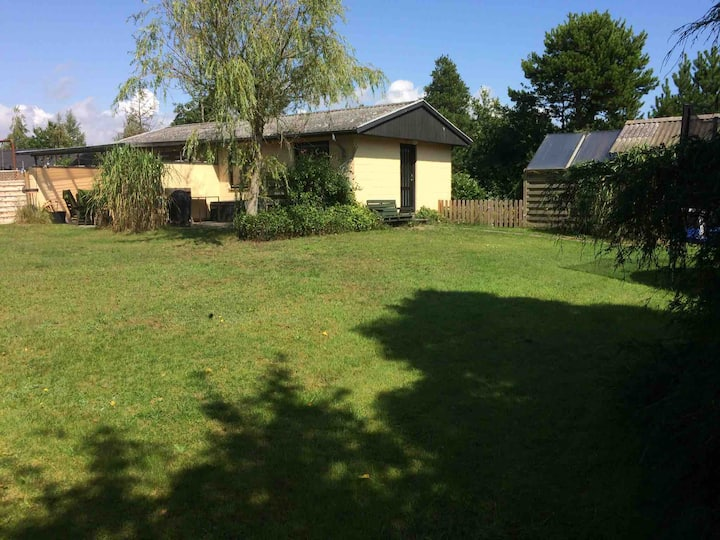 Holliday cottage, 4 bedrooms, close to beach.