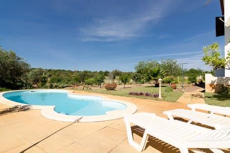 Peaceful Homy Villa - Center Algarve - Paderne