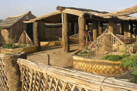 Badry's Sahara Camp : Large Hut