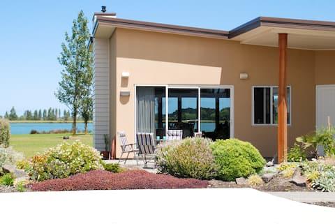 Lake Hood View BnB (Room 2)