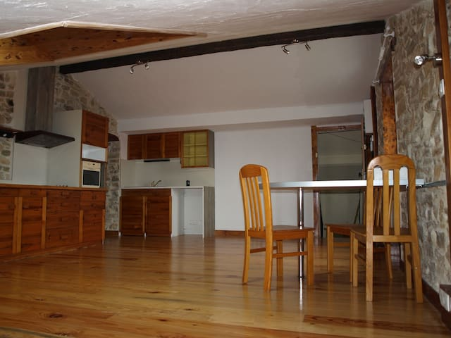Appartement dans l ancienne ecole - Méjannes-lès-Alès - Lakás