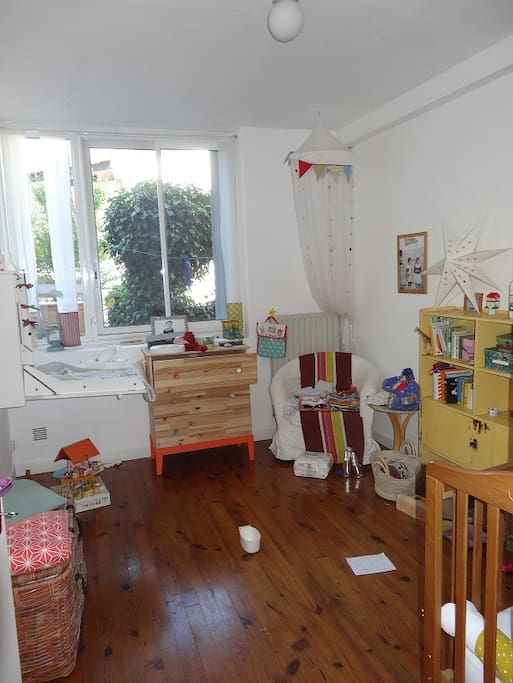 La chambre des enfants, où l'on peut mettre un matelas double