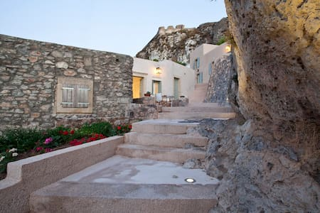Vacation Studio under the Castle - Kythira