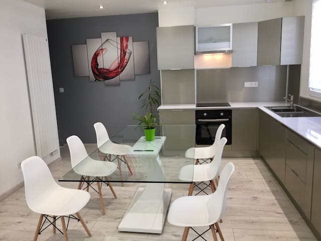"""Diana"" 92m2 au coeur de Reims, heart of Reims - Reims - Apartment"