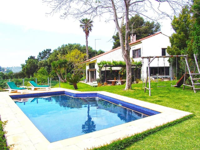 Signature home overlooking Sintra hills - Colares