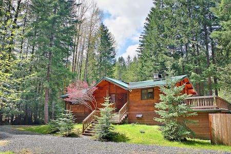 Four Seasons Lodge  - Mt. Rainier - Greenwater
