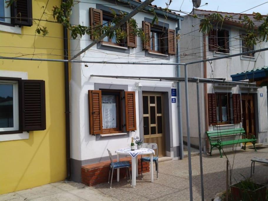 House Jasna
