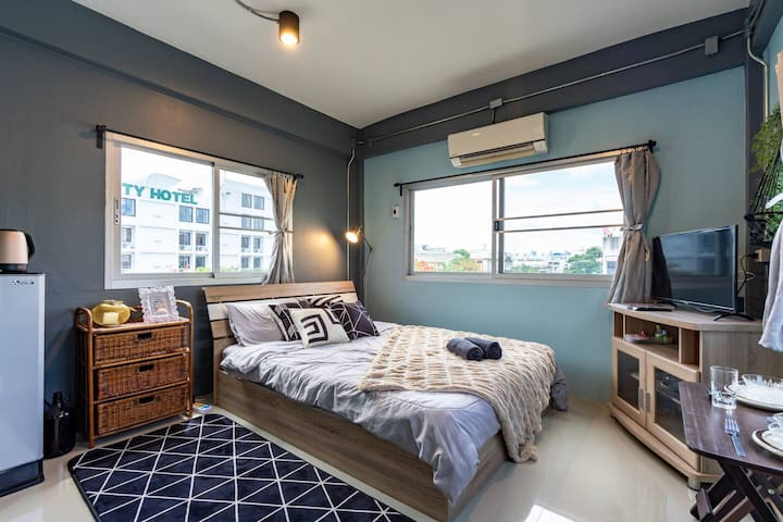 #4 New Private Canal View STUDIO,8mins to KHAOSARN